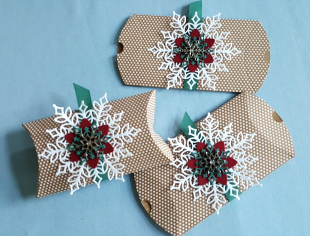 kraft pillow boxes - snow is glistening